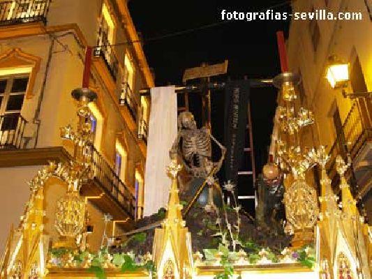 Foto del paso de la Canina de la Semana Santa de Sevilla
