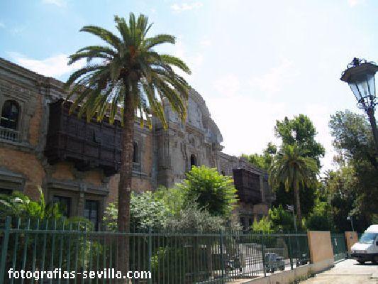 Fotografía del edificio de la Casa de la Ciencia de Sevilla