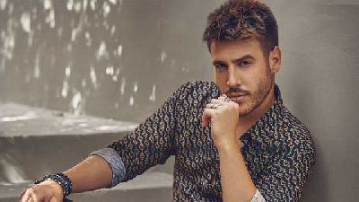 Foto promocional de Antonio José del disco Antídoto