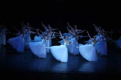 Danza: Giselle con el Ballet Nacional de Letonia en el Maestranza