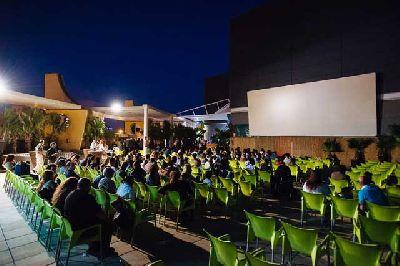 Imagen del cine de verano Cine Zona en Zona Este Sevilla