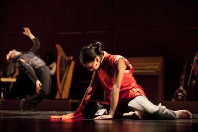 Danza: Play en el Teatro Central de Sevilla