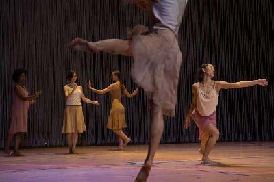 Danza: Rain en el Teatro Central de Sevilla