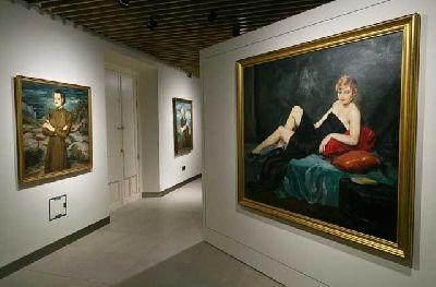 Imagen de la exposición Enrique Ochoa: la mirada en la mujer en Cajasol Sevilla
