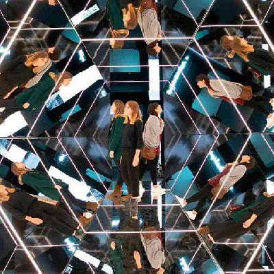 Imagen de la exposición Espejos, dentro y fuera de realidad en CaixaForum Sevilla