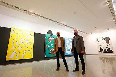 Imagen de la inauguración de la exposición Persuasive Painting de Fernando Clemente