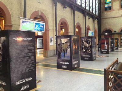 Exposición y concurso de fotos de Semana Santa en Plaza de Armas