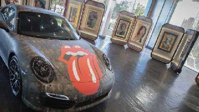 Exposición de Andy Warhol en Porsche Sevilla