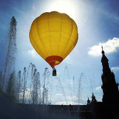Vista de Sevilla en globo desde la Plaza de España