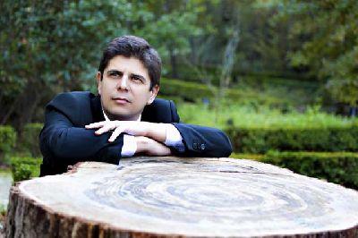 Foto promocional de Javier Perianes
