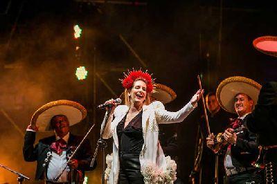Foto promocional de Ranchera Flamenca de María Toledo