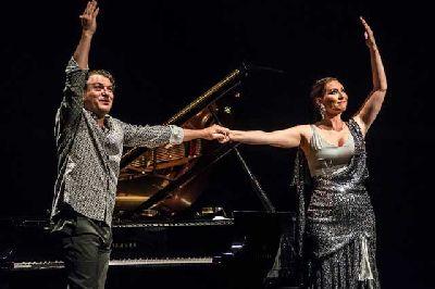 Foto promocional de Marina Heredia y Dorantes