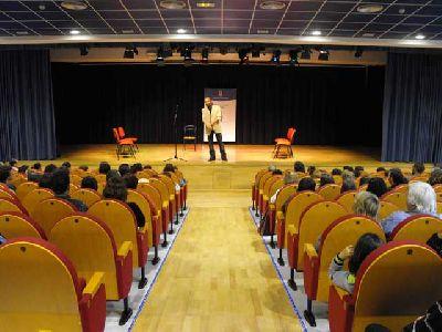 Hipnosis con Mario el Mago en Cajasol Sevilla