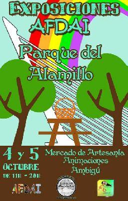 Mercado de artesanía en el parque del Alamillo Sevilla