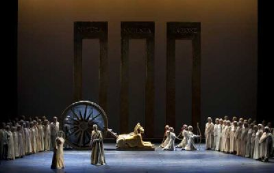 Ópera: La flauta mágica en el Teatro de la Maestranza de Sevilla