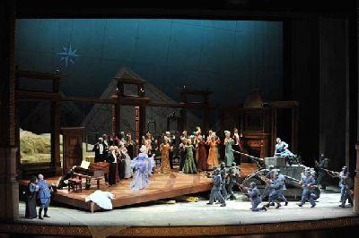 Ópera: La hija del regimiento en el Teatro de la Maestranza de Sevilla