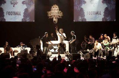 Final de la Red Bull Batalla de los Gallos 2013 en Sevilla