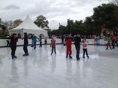 Pista de patinaje sobre hielo en el CC ZonaEste Navidad 2012-2013