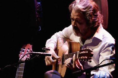 Foto promocional del tocaor flamenco Rafael Riqueni