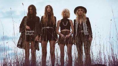 Foto promocional del grupo Stonefield