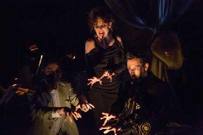 Teatro: 24 horas en la vida de una mujer en el Teatro Lope de Vega de Sevilla