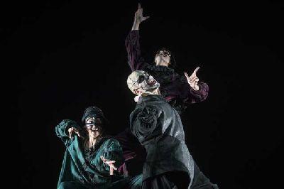 Teatro: Así que pasen cinco años en el Teatro Central de Sevilla