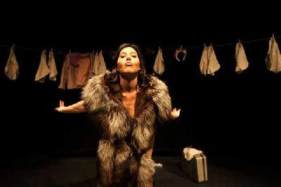 Teatro: A Solas en La Imperdible Sevilla