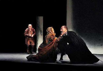 Teatro: El caballero de Olmedo en el Teatro Lope de Vega de Sevilla