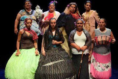 Foto de la obra de teatro La casa de Bernarda Alba por las mujeres de El Vacie