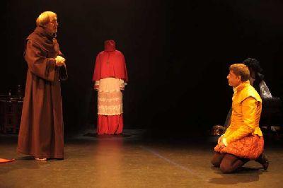 Teatro: Cisneros en la línea de tiza en La Fundición Sevilla
