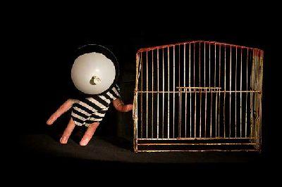 Foto promocional de Criaturas particulares de la compañía de Roberto White