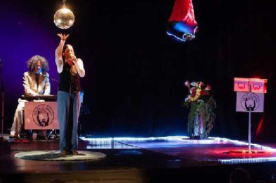 Teatro: Culto a la abundancia en La Fundición Sevilla