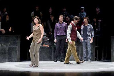 Teatro: La decisión de John en el ciclo 21 Grados Sevilla