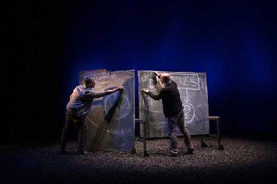 Teatro: Distancia siete minutos en el Teatro Central de Sevilla