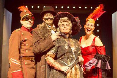 Foto de la obra de teatro Duelo a muerte del Marqués de Pickman y lo que aconteció después con su cadáver