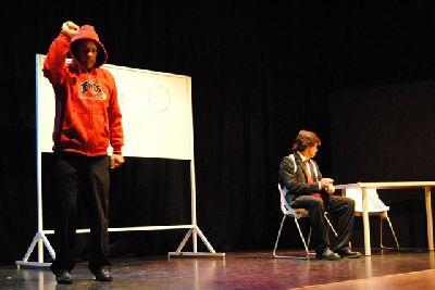 Teatro: El inglés en dos palabras en La Fundición de Sevilla