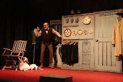 Foto promocional de la obra de teatro El sastre de la compañía de Ignacio Andreu