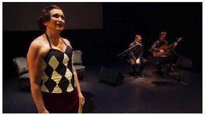 Foto promocional de la obra de teatro Encendidas por la compañía Hongaresa de Teatre