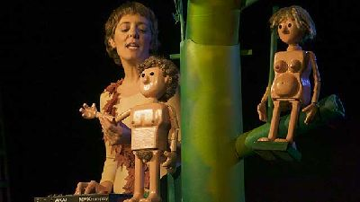 Foto promocional de la obra de teatro Eva de la compañía Trastero 203