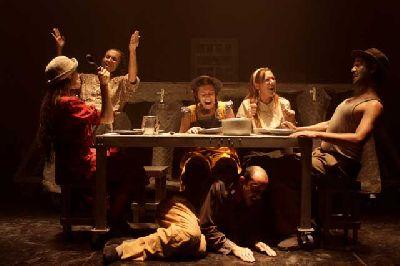 Teatro: El fabuloso mundo de la tía Betty en La Fundición Sevilla