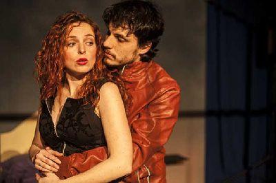 Teatro: Gente a la que le cambia la vida estreno en el CICUS