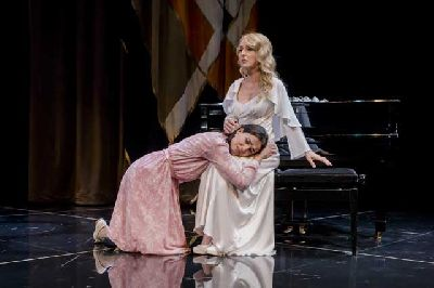 Teatro: Hedda Gabler en el Teatro Lope de Vega de Sevilla