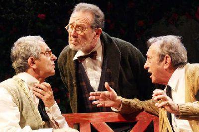 Teatro: Héroes en el Teatro Lope de Vega de Sevilla