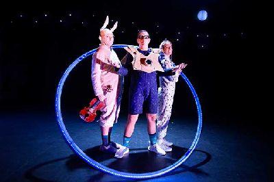 Foto promocional de Neón de Truca Circus