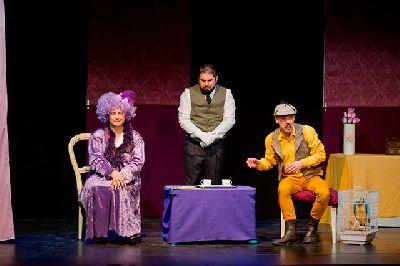 Imagen promocional de la obra Arturo G Holmes y el collar de la Duquesa de Malva