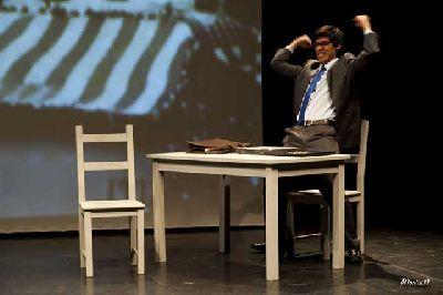 Teatro: La especie dominante en La Fundición Sevilla