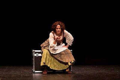 Foto promocional de la obra La pícara de Sevilla