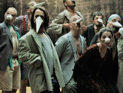 Foto promocional de la obra La aves de la compañía Teatro del Velador