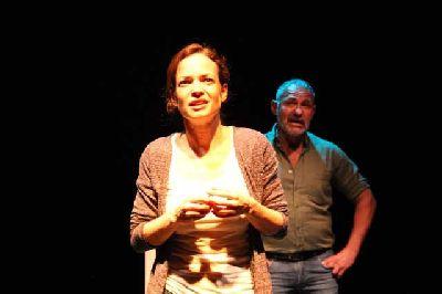 Teatro: Llueven vacas en el ciclo Estrénate del CICUS de Sevilla