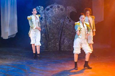 Teatro: Mucho ruido y pocas nueces en La Imperdible de Sevilla